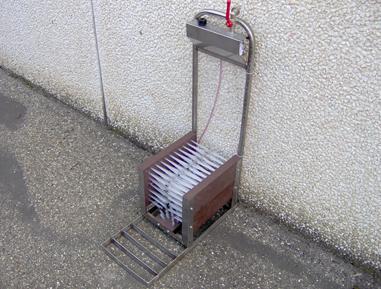 Lavastivale acciaio inox con pescaggio disinfettante automatico – Codice 400